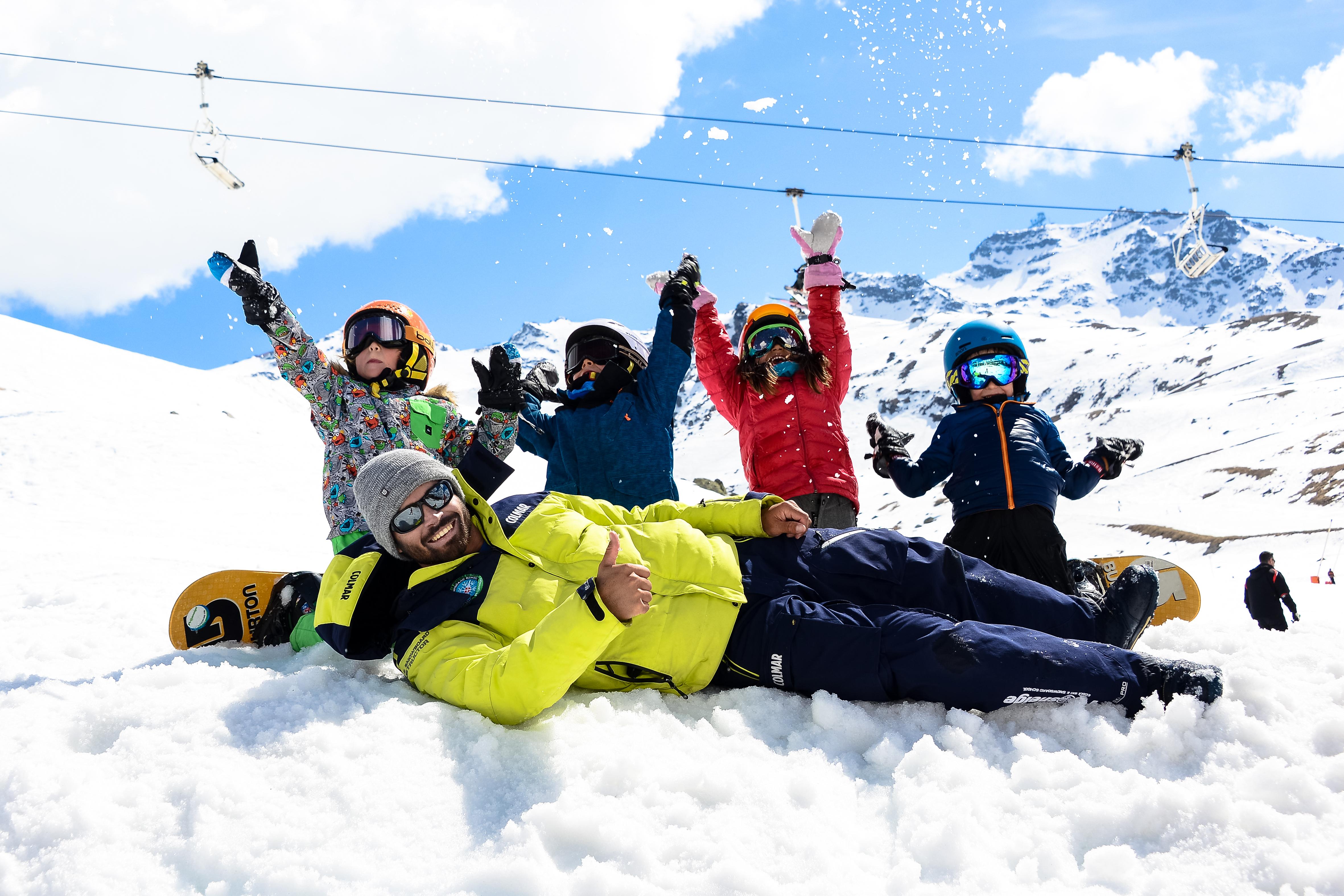 Cours snowboard enfant - moniteur de snowboard