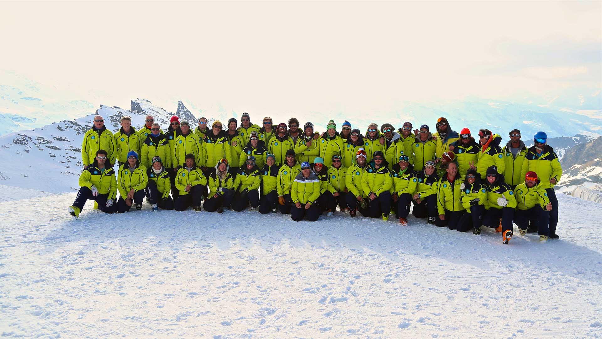 photo d'équipe des moniteurs de ski Val Thorens